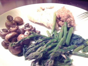 Roasted chicken, pinto beans, mushroom, spinach and asparagus